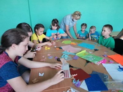 """Детская общественная организация Курганской области «Открытый мир» продолжает реализацию проекта Творческие мастерские для детей и подростков """"Мастерим своими руками"""""""