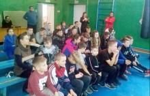 Боксер Вазир Тамоян провел тренировку для детей